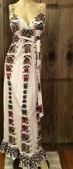 Crown of Hearts Dresses & Skirts - Crown of Hearts Bohemian Maxi Dress M